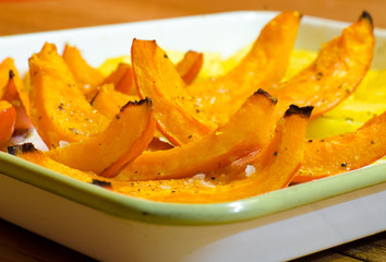 Baked pumpkin slices with potato