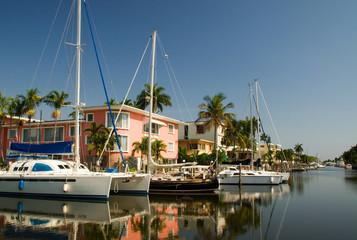 Yachten in einem Kanal in Fort Lauderdale