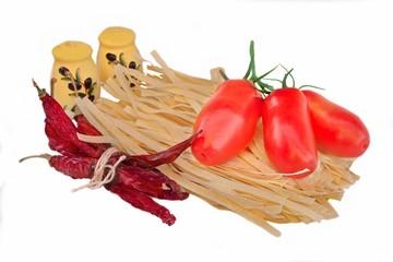 Dry Pasta Tagliatelle, chili pepper, fresh tomato and two shaker