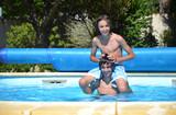 Loisirs piscine de jardin - Enfants heureux