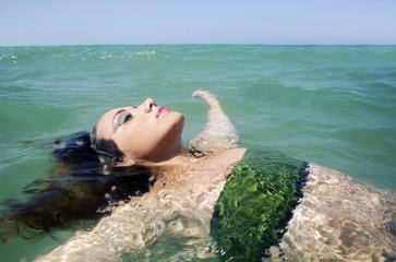Sospesa sull'acqua