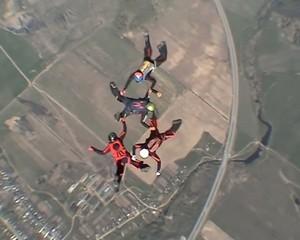 Skydiving 4 way team training jump