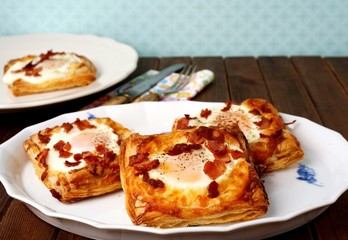 Puff pastry breakfast - egg, bacon and cheese