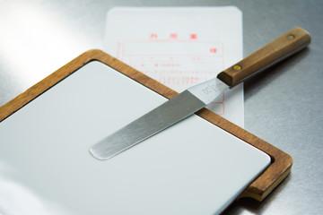 軟膏ベラと軟膏板