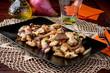 Straccetti di tacchino e cipolle rosse di tropea nel piatto