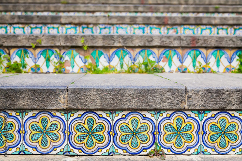 ceramic tiles on the staircase - 69898220