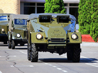 Transport armored vehicle