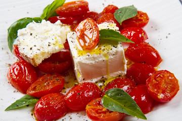 formaggio caprino con pomodorini saltati