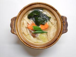 野菜うどんの白湯鍋