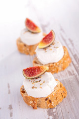 bread with cheese and fig