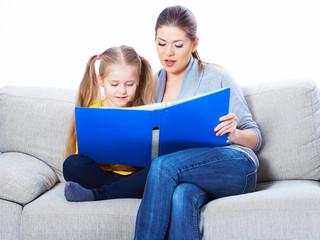 Little girl read book