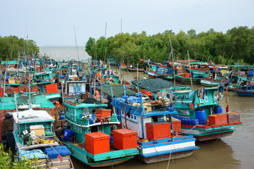 group fishing boat, Vietnam port