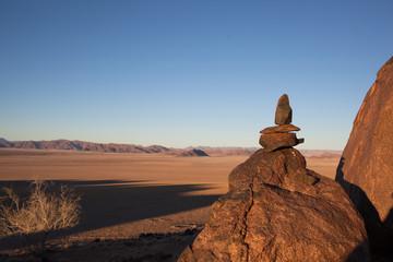 Totem di sassi sulla roccia