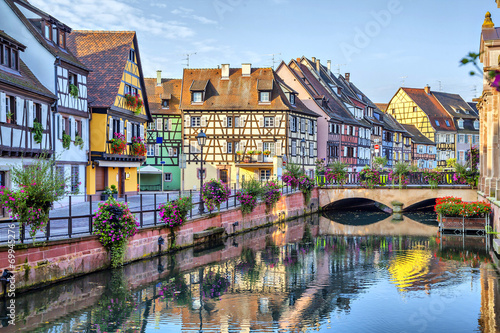 Poster Stad aan het water Colorful traditional french houses in Colmar