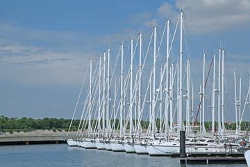 alignement de bateau au port