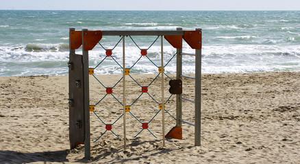 Parque infantil en la playa de El Prat de Lloregat, Barcelona