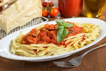 Trofie al ragù, cucina italiana