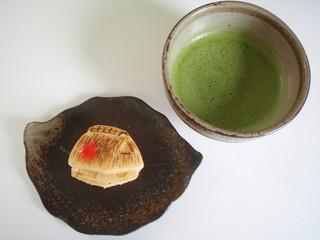 秋の和菓子と抹茶
