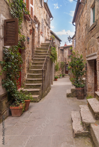 Fototapeta Nooks and crannies in the Tuscan town, Italy