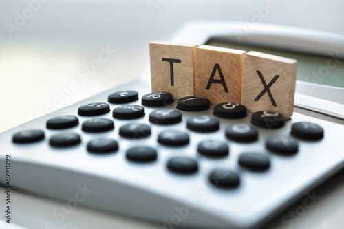 Calculating tax - 69981299