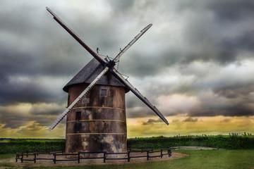 Old farmer mill