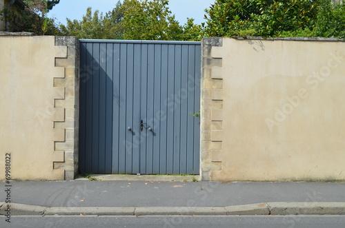 Papiers peints Mur Mur d'enceinte et portail