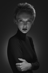 Black and white portrait of a mysterious blonde.