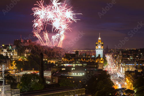 Keuken foto achterwand Kasteel Edinburgh Cityscape with fireworks over The Castle