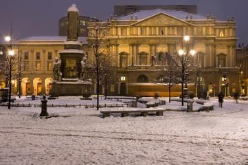 La Scala con la neve