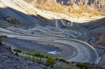 Paso de los Libertadores, Winding Road at 3000 meters, between A