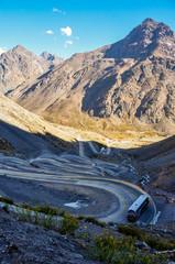 Paso de los Libertadores, Winding Road at 3000 meters, between A