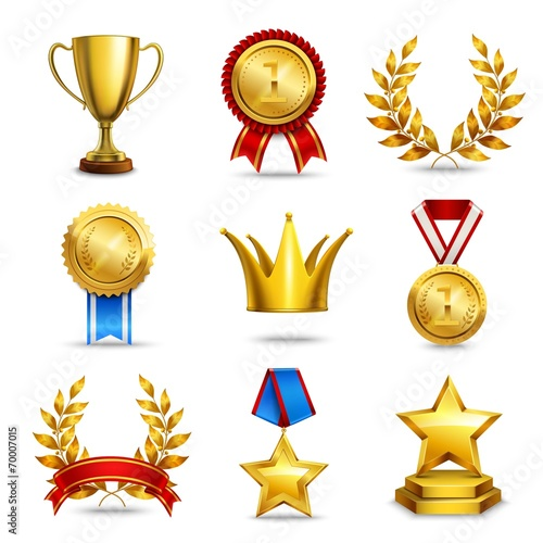 Realistic award icons set - 70007015
