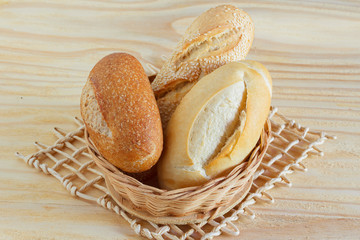 Brazilian french bread integral, mini baguette, with sesame in w