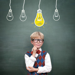 Idee / Konzept ( Schulkind an der Tafel