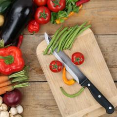 Gesunde Ernährung Essen zubereiten Gesicht aus Gemüse