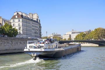 Péniche à Paris_2