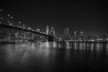Brooklyn Bridge w nocy, New York