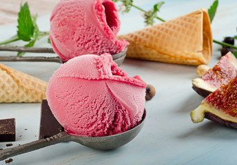 Ice cream with fruits