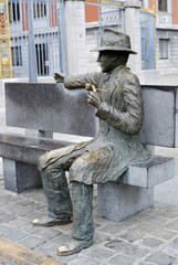 Sculpture of George Simenon
