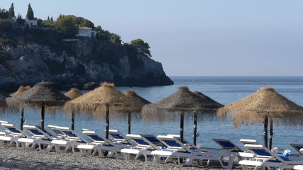 Sunbeds and umbrellas to enjoy the beach