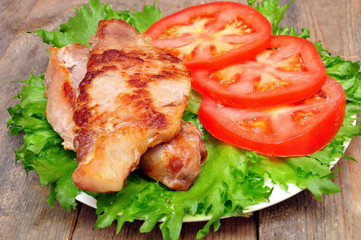 meat chops with tomatoes
