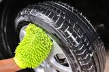 washing the car - 70062076