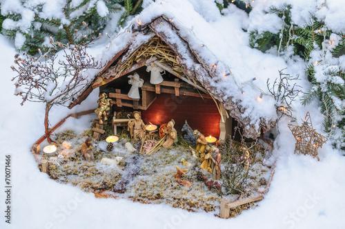 canvas print picture Krippe im frischen Schnee