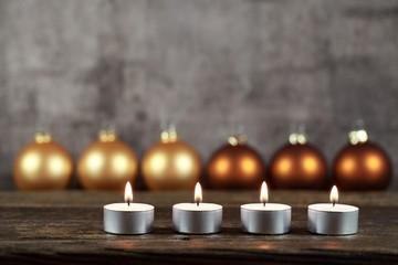 Kerzenlicht, weihnachtlich