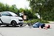 verletzte frau nach einem verkehrsunfall