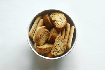 Dried crusts and crackers