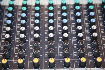 mixer musica tastiera