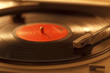 レコードとレコードプレーヤーコードとレコードプレーヤー