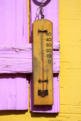 Thermometer wood