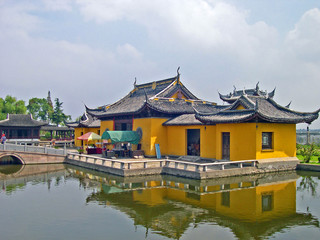 ZHOUZHUANG, SHANGHAI: water village Quanfu temple.